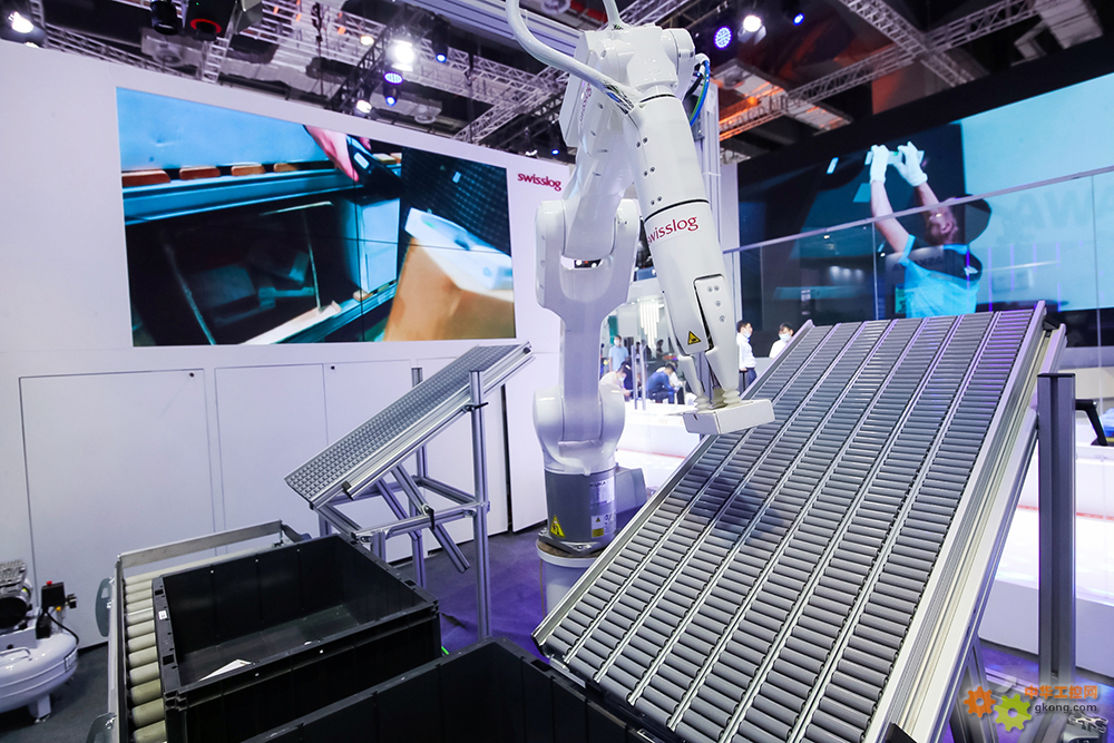 """""""物流自动化高手""""瑞仕格展示行业最先进的拆零拣选自学习型机器人ItemPiQ"""